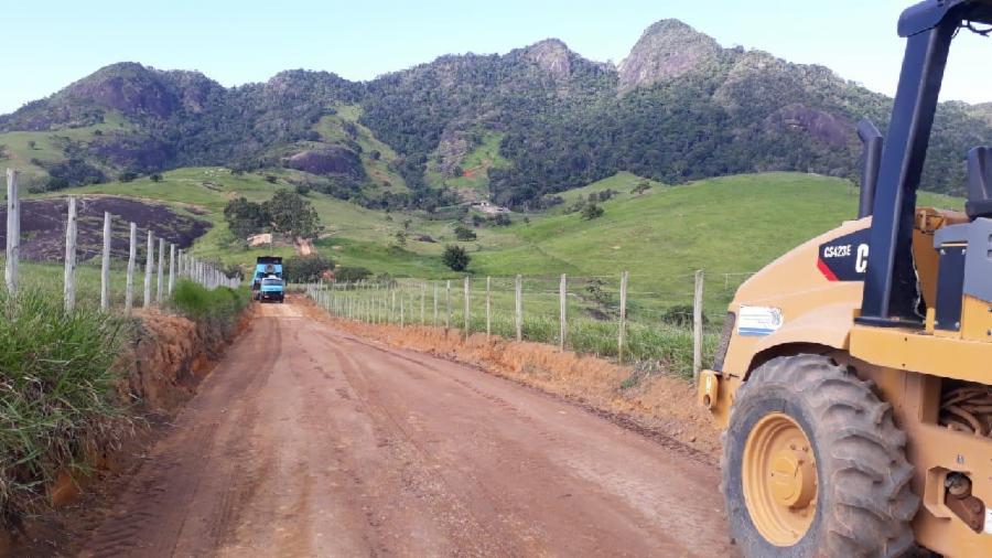 200 quilômetros de estradas rurais recebem melhorias na Serra