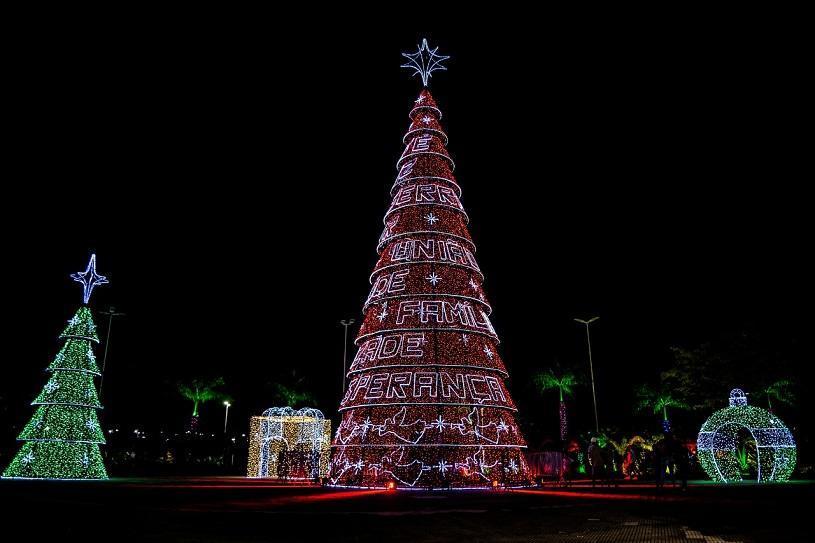 Parque da Cidade e praças da Serra ganham decoração de Natal