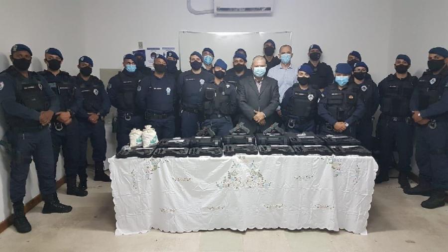 Novos agentes da Guarda Civil Municipal recebem portes de armas