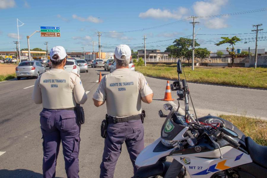Operação de trânsito para reduzir acidentes abordou 170 veículos na Serra