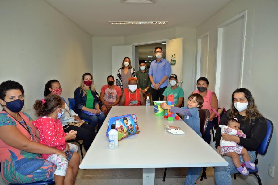 Serra entrega aluguel social a vítimas de enchentes