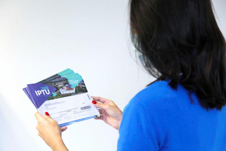 IPTU vencido: saiba como quitar a dívida