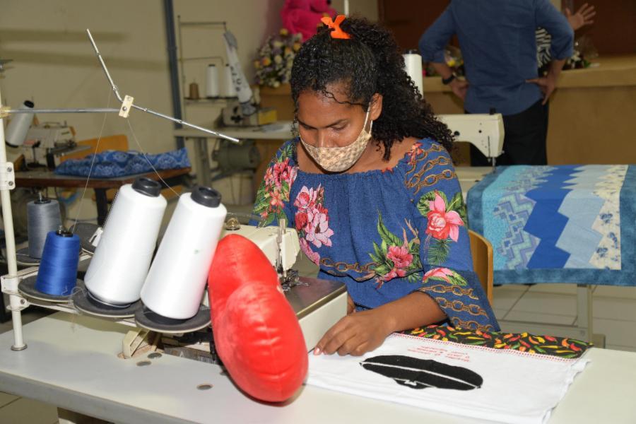Secretaria de Trabalho abre inscrições para oficina de costura