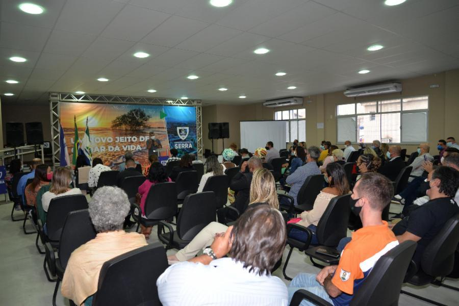 Prefeito dá posse a novos conselheiros municipais