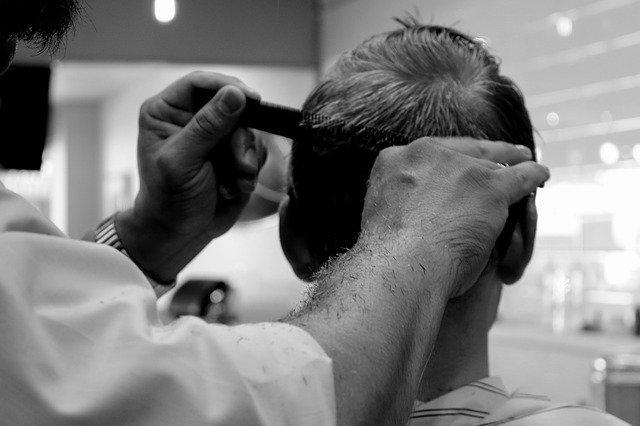 Ação em barbearias para o enfrentamento ao machismo