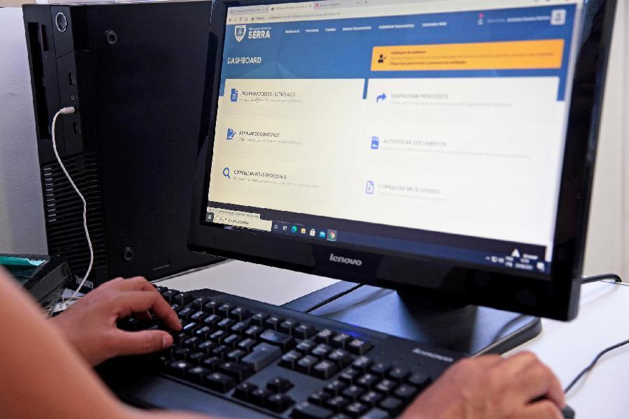 Serra alcança 20% de processos digitais em apenas 7 meses de gestão