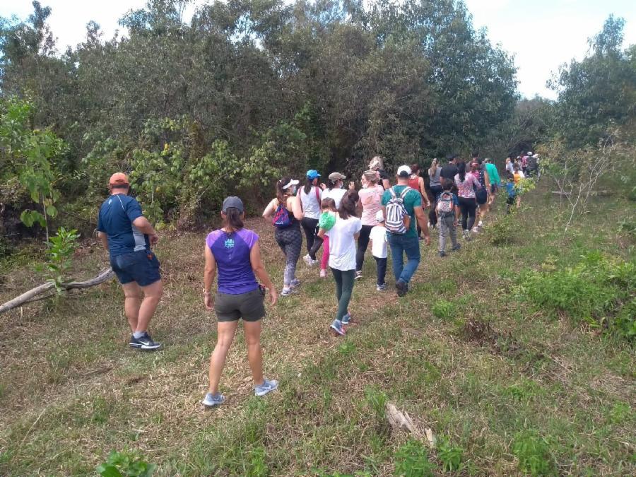 Meio Ambiente realiza trilha educativa com crianças da Serra