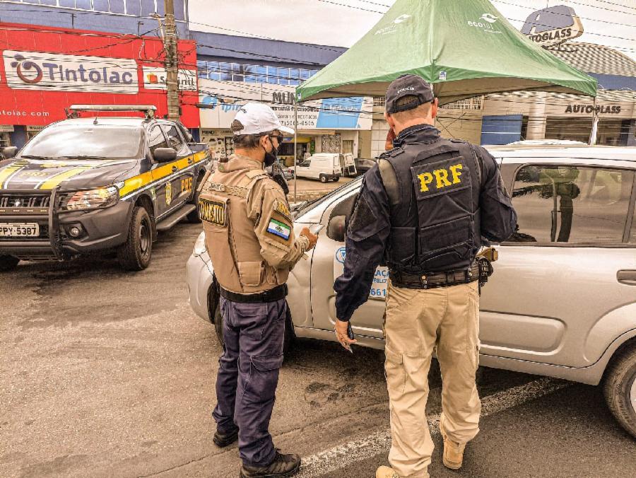 No dia dos agentes de trânsito, DOT faz operação conjunta com PRF