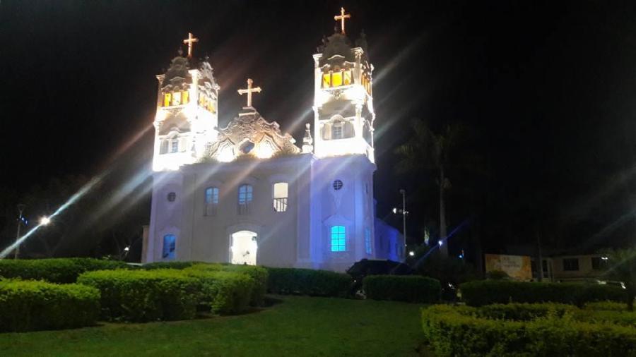 Novembro Azul é tema de iluminação na Serra