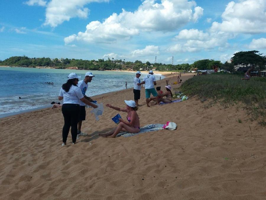Projeto Praia Limpa percorreu as praias de Carapebus e Bicanga