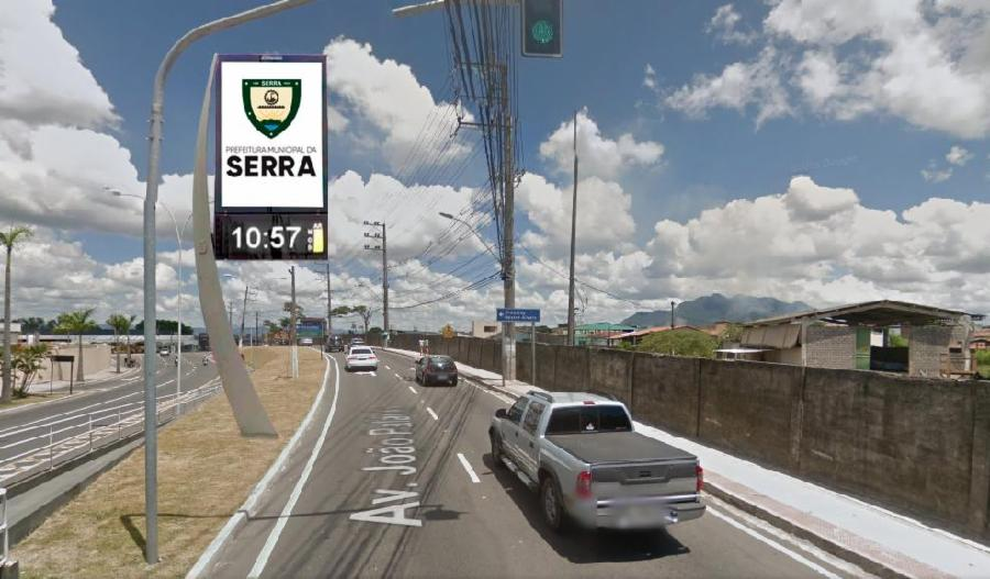 Relógios digitais vão informar sobre trânsito e qualidade do ar na Serra