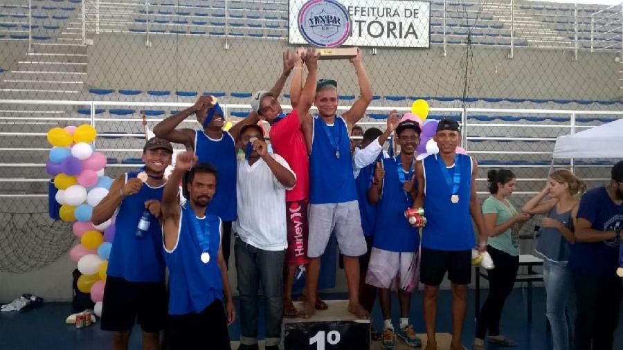Jogadores atendidos no Centro Pop vencem campeonato estadual de futebol