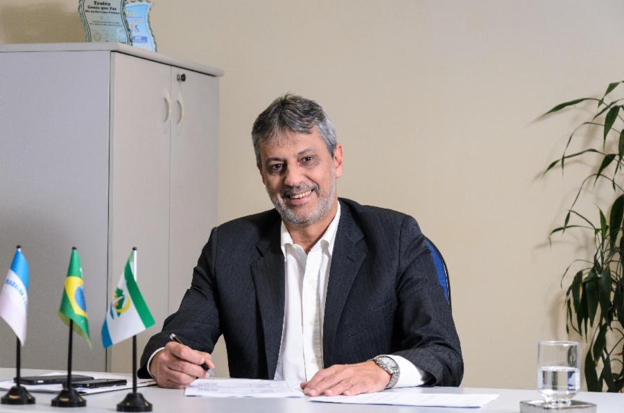 Serra fará projeto piloto para aprimorar governança municipal