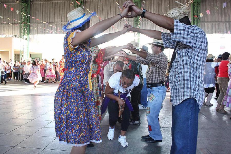 Arraiá para os idosos das regiões de Jacaraípe e Eurico Sales