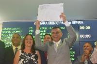 Prefeito reeleito tomou posse no domingo (1º de janeiro)