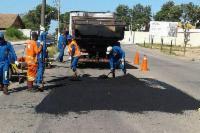 Operação tapa-buracos em 30 bairros da Serra por semana