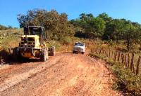 Mutirão para recuperação de estradas